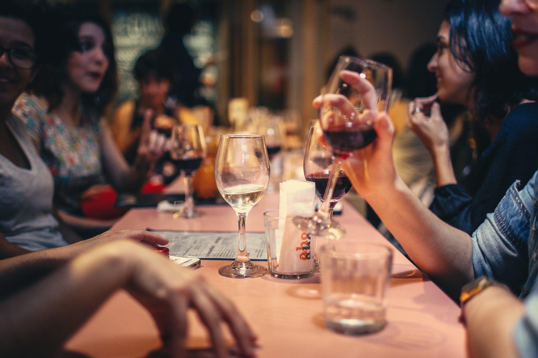 Rượu bia và thức uống có cồn có thể làm hại đến DNA của bạn như thế nào?